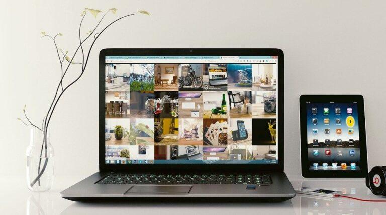 laptop met foto's